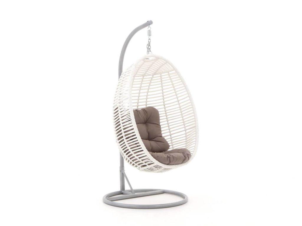 Hangstoel Voor 2 Personen.Een Mooie Hangstoel In De Tuin Een Fijn Plekje Voor Jezelf Nieuwe