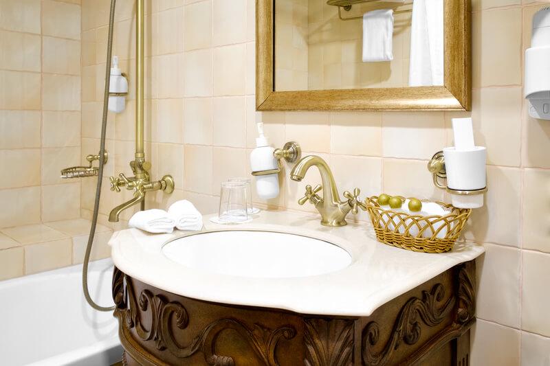 een vintage badkamer
