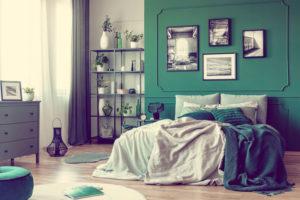 groene-gordijnen-in-de-slaapkamer