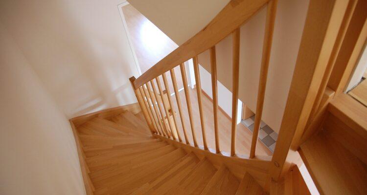 vaste trap naar zolder